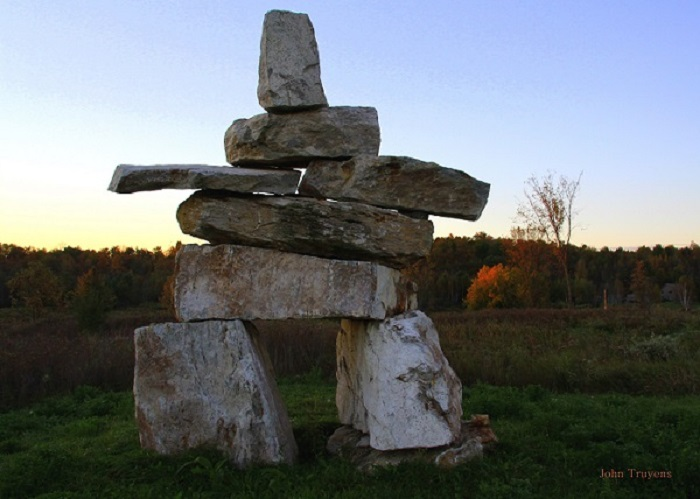 inukshuk at wollastonite